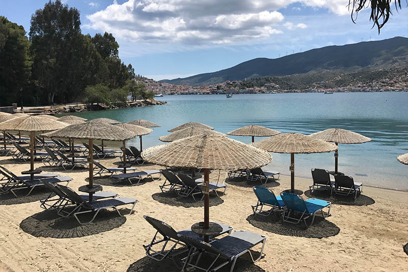 Mikro Neorio Bay Beach Bar Poros